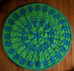 Shocking Mandala Rug - moogly