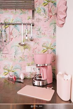 Pip Studio, Crazy Colour, Dream Apartment, Girl House, Kids Room Design, New Wallpaper, Exotic Flowers, Minimalist Home
