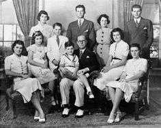 Joseph and Rose Kennedy and their nine children