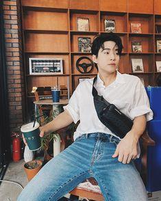Henry Lau, 2ne1, Super Junior, Mom Jeans, Mochi, Idol, People, Pants, Fashion