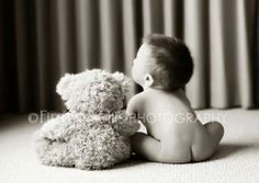 6 month baby picture ideas - Would still be cute for 1 or 2 year photos with an extra large bear! 3 Month Old Baby Pictures, 6 Month Baby Picture Ideas, 6 Month Photos, Newborn Pictures, Monthly Pictures, Baby Boy, Baby Kids, Boy Babies, Kids Boys