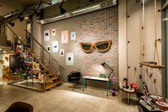 Tienda de gafas diseñada por Dimensions en Patras, Grecia «  Diseño de interiores Valencia