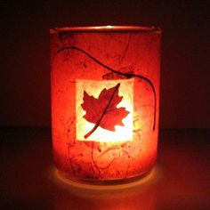 Autumn Maple Leaf Candle Leaf candle craft.