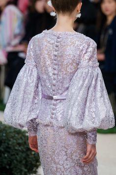 Chanel Spring 2019 Couture Fashion Show - Damen Mode 2019 Style Couture, Couture Details, Haute Couture Fashion, Gala Dresses, Nice Dresses, Evening Dresses, Chanel Couture, Spring Fashion, Fashion Show