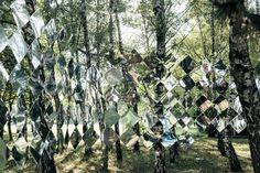 Le Studio Nomad est à l'origine de l'installation « Mirage » réalisée dans le cadre du festival de musique Sziget qui a lieu chaque été à Budapest.  « Cette installation temporaire a été inspirée par le motif camouflage utilisé par les cuirassés durant la Seconde Guerre Mondiale » expliquent les concepteurs. Ils ont utilisé plus de 1200 feuilles de plastique réfléchissant dans une forme géométrique simple afin de créer un mur long de 25m à travers les arbres.