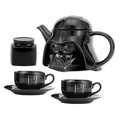 Enjoy your tea like a Sith with this Star Wars Darth Vader Teapot Set. Obviously it is best with dark tea blends. You get a teapot, 2 saucers, 2 mugs, and 1 Star Wars Decor, Star Wars Love, Darth Vader, Star Wars Darth, Cocina Star Wars, Decoracion Star Wars, Star Wars Kitchen, Star Wars Merchandise, Tea Pot Set