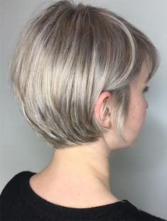 34 Latest Long Pixie Cuts You'll Love for Summer 2019 - Short Pixie Cuts Long Pixie Pixie haircut came into vogue back in when Audrey Hepburn appeared on the screens in the movie Roman Holiday. Short Hair Cuts For Round Faces, Long Pixie Cuts, Round Face Haircuts, Hairstyles For Round Faces, Short Pixie, Short Haircuts, Pixie Crop, Short Hair For Round Face Plus Size, Pixie Haircut For Round Faces