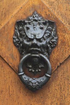 Doorknocker in Italy [enter]  I  ballarddesigns.com