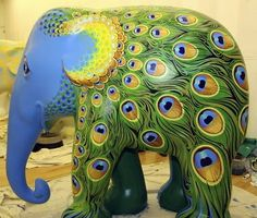 Creatures of Culture: Londons Elephant Parade.  Amazing--I love this.