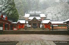 霧島神宮の冬景色 正面 02