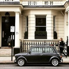 London's South Kensington is always photogenic, from the vintage Mini Coopers to the stylish passers-by.