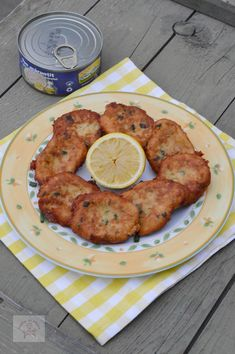 Chiftelute de ton - CAIETUL CU RETETE Tandoori Chicken, Pancakes, Meat, Breakfast, Ethnic Recipes, Food, Salads, Morning Coffee, Essen