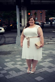The whole Sonsi team is ooh-ing & aah-ing over Rebecca from @theplussideofme's white dress during #SonsiFFFWeek! So GORGEOUS! #slimmingbodyshapers Even plus sized girls are beautiful slimmingbodyshapers.com