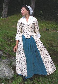 Reproduction Robe Polonaise, The Village Green Clothier 17th Century Clothing, 18th Century Dress, 18th Century Costume, 18th Century Fashion, 1700s Dresses, Old Dresses, 1800s Fashion, Vintage Fashion, Rococo Dress