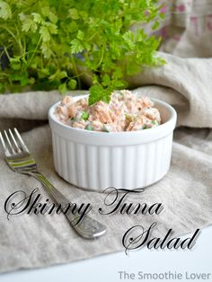 Hungry between lunch and dinner? Try this filling no-carb and very delicious tuna snack. Can be paleo.