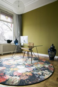 Nieuwe aanwinst: mijn allereerste design vloerkleed! Beeld © Elisah Jacobs/InteriorJunkie.com