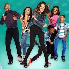Instant Mom comes on tonight on Nick at Night. The show stars Michael Boatman, Tia Mowry-Hardict and Sheryl Lee Ralph.
