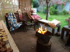 Woodland Campfire party in Winter - indoor/outdoor 12th Birthday, Birthday Ideas, Birthday Parties, How To Build A Fire Pit, Up Music, Hot Chocolate Bars, Light My Fire, Indoor Outdoor, Outdoor Decor