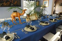 Passover Table Decor You are in the right place about my ideas board Here we offer you the most beautiful pictures about the my ideas … Passover And Easter, Passover Food, Passover Recipes, Seder Meal, Jewish Crafts, Jewish Celebrations, Table Settings, Table Decorations, Centerpieces