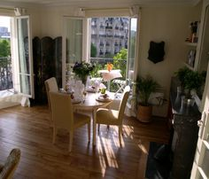 Rent our 2 bedroom apartment Sancerre on the Left Bank in the Arrondissement only a short walk from the Eiffel Tower gardens. Parisian Apartment, 2 Bedroom Apartment, Lovely Apartments, Parisian Chic, Breakfast Nook, Comfort Zone, Future House, Serendipity, Building