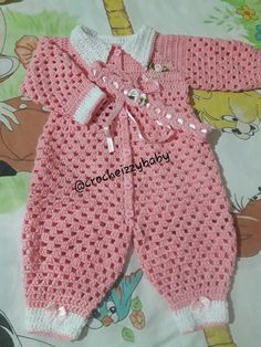 Crochet Baby Blanket Free Pattern, Baby Knitting Patterns, Baby Patterns, Crochet Patterns, Crochet Girls, Crochet Baby Clothes, Crochet For Kids, Designer Dog Beds, Winter Baby Clothes