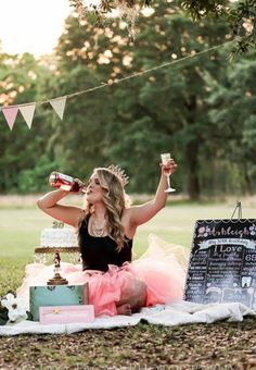 Ideas adult birthday photoshoot style for 2020 30th Birthday Parties, Birthday Fun, Birthday Celebration, Adult Birthday Ideas, Birthday Sayings, Birthday Greetings, Birthday Wishes, Birthday Gifts, Adult Cake Smash