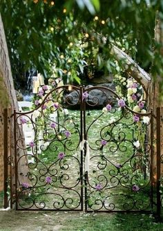 Magical garden entrance - my daughter's headboard looks just like this. she hates it. I should turn it into a gate! -- find a headboard, make a gate! The Secret Garden, Secret Gardens, Hidden Garden, Garden Entrance, Garden Doors, Garden Cottage, Garden Care, Gate Design, Dream Garden