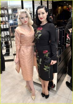 Burlesque dancer Mosh and Dita Von Deese attend the MAC Comestics Dita Von Teese Collection Launch Event on December 2015 at MAC North Beverly in Beverly Hills, California. Dita Von Teese Burlesque, Dita Von Teese Style, Dita Von Teese Makeup, Rockabilly Fashion, Retro Fashion, Vintage Fashion, Old Hollywood Glamour, Vintage Glamour, Dita Von Tease
