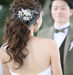 いいね!86件、コメント5件 ― mori.さん(@woodwoodwood_wd)のInstagramアカウント: 「. . chiekoさんヘア ローポニーに♥ 花飾りもセンスよく付けてくれて ほんとーーーにお気に入りだった髪 ゲストのみんなにもめちゃめちゃ褒めてもらえました . chiekoさん…」