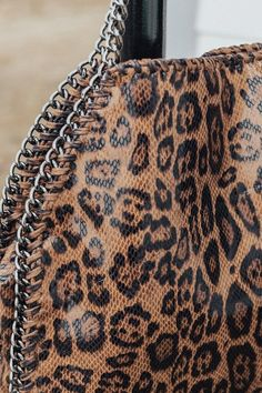 All Eyes On You Leopard Tote • Impressions Online Boutique Leopard Handbag, Leopard Tote, Queen Fashion, High Fashion, Women's Fashion, Leopard Bedroom Decor, 2017 Fall Fashion Trends, Boys Haircut Styles, Purse Styles