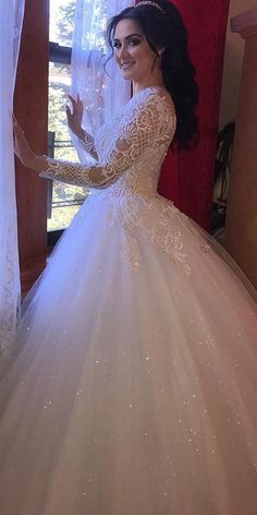Fascinating Tulle Jewel Neckline Ball Gown Wedding Dresses With Beaded Lace Appl. - Fascinating Tulle Jewel Neckline Ball Gown Wedding Dresses With Beaded Lace Appliques - Western Wedding Dresses, Classic Wedding Dress, Princess Wedding Dresses, Dream Wedding Dresses, Wedding Dress Styles, Designer Wedding Dresses, Bridal Dresses, Wedding Gowns, Beaded Dresses