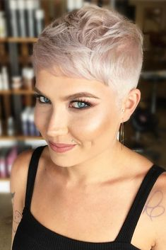 Short-Faded-Hair-Cut Sweet and Sexy Pixie Hairstyles for Women Pixie Bangs, Short Blonde Pixie, Short Pixie Haircuts, Pixie Hairstyles, Short Hairstyles For Women, Short Hair Cuts, Natural Hairstyles, Men's Hairstyle, Medium Hairstyles