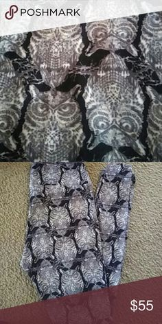 Lularoe OS owl leggings Major Unicorn Black background with gray and white owls. Loved this print so much but only wore one time for a short period. Want someone else who loves owls like me to enjoy them! LuLaRoe Pants Leggings