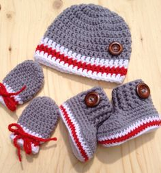 Baby crochet kit bootieshat and mittens whit by CreArtTextiles Crochet Booties Pattern, Crochet Baby Mittens, Crochet Baby Boy Hat, Easy Crochet Hat, Crochet For Boys, Newborn Crochet, Crochet Baby Booties, Crochet Slippers, Baby Blanket Crochet