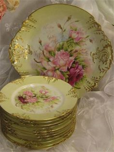 Breathtaking Victorian Roses Antique Limoges France RARE Ice Cream or Dessert Set ~ 12 piece set Hand Painted Charger or Serving Platter / Tea Service Round Tray w/ Eleven Individual Floral Art Dessert Plates Dishes Artist Signed Albert C. Vintage China, Vintage Plates, Vintage Tea, Vintage Decor, Antique Dishes, Vintage Dishes, Antique Plates, Antique Glassware, Objets Antiques