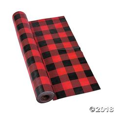 Spruce up your party dining tables with this Buffalo Plaid Plastic Tablecloth Roll! The classic red and black print is perfect for a lumberjack theme,. Christmas Baby Shower, Baby Shower Winter, Baby Boy Shower, Lumberjack Birthday Party, Boy Birthday Parties, Bear Birthday, 12th Birthday, Birthday Ideas, Plastic Tablecloth