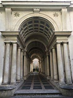 La prospettiva del Borromini a Palazzo Spada - Roma http://www.chicksandtrips.net/palazzo-spada/