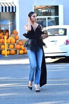 Pretty Outfits, Stylish Outfits, Fashion Outfits, Mom Jeans Outfit, Look Boho, Olivia Culpo, Looks Chic, Editorial Fashion, Ideias Fashion