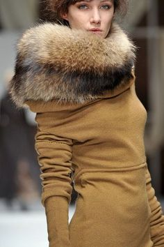 The fur look collar for Fall - a must!