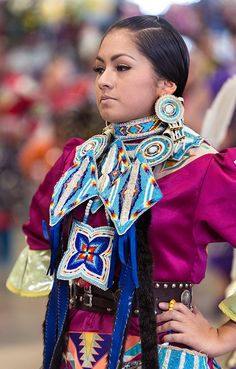 Dancer with great beaded regalia at the Helena 2012 pow wow
