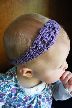 Free crochet headband pattern made in crochet thread. Sizes to fit infant to adult. Nice pictures throughout the tutorial.