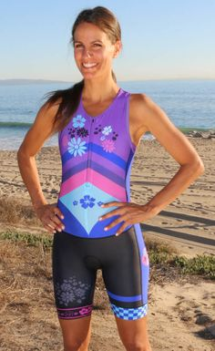 Flower Power womens raceuit features a bold and colorful design Cycling Girls, Cycling Wear, Cycling Outfit, Cycling Clothes, Bicycle Women, Bicycle Girl, Bike, Triathlon Gear, Sexy Women