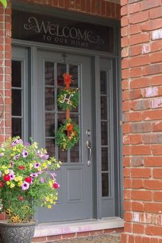 Ideas for red front door brick Ideas for red front door brick house house trendy exterior door brick trendy exterior door brick house house exterior Awesome Front Door Colors and Exterior Front Doors, Exterior Paint Colors For House, Grey Exterior, Painted Exterior Doors, Exterior Cladding, Entry Doors, Orange Brick Houses, Red Brick Exteriors, House Shutters