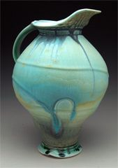 Steven Hill pottery, beautiful shape and colour.