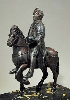 Carolingian Art Equestrian Portrait of Charlemagne 800-900 CE bronze meant to look like Marcus Aeuralis (They thought he was Constintine, the first Christian Emporer), trying the emmulate Roman power Google Image Result for http://s4.hubimg.com/u/360995_f260.jpg