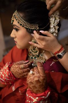 Without some creative bridal portraits, the photography session of the wedding cannot be complete. Here are the Most beautiful and unique bridal portraits ideas for weddings. #shaadisaga #indianwedding #bridalportraits #bridalportraitsindian #bridalportraitsindianbrideposes #bridalportraitsindianbridephotoshoot #bridalportraitsindianindoor #bridalportraitsindianunique #bridalportraitsindianposes #bridalportraitsindiansaree #bridalportraitsindianoutdoor #bridalportraitsindianwedding #bridephotos Bride Getting Ready, Skin Care Treatments, Bridal Portraits, Indian Sarees, Most Beautiful, Wedding Planning, Bangles, Photoshoot, Poses