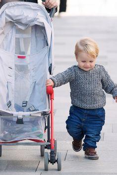 Der #Buggy ist eine gute Ergänzung zum Kinderwagen und dient noch darüber hinaus. Bei weiteren Wegen, bei längeren Einkäufen oder auf Reisen ist er unverzichtbar. Hier findest du Informationen und Tipps zum #Kinderbuggy und seiner Ausstattung. Knorr Baby, Baby Strollers, Children, Tricycle, Sport Cars, Kids Wagon, Shopping, Travel, Tips