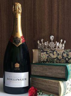 日本橋三越本店が4日間限定のブライダルイベントを開催 Bollinger Champagne, Wedding News, French Fries, Drinks, Bottle, French Fries Crisps, Drinking, Chips, Beverages