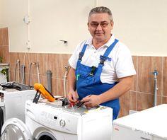 На работу требуется мастер по ремонту стиральных машин и холодильного оборудования.   Осуществление монтажа/демонтажа, диагностики, технического обслуживания и ремонта стиральных машин.  Работа постоянная, свободный / гибкий график, работа на территории работодателя.  Зарплата договорная, выплата после каждого заказа.   Мы ищем людей с золотыми руками! +7 912 42 442 42