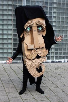 Making faces @ WDKA Illustration | The Arts Board of Cardboard. °
